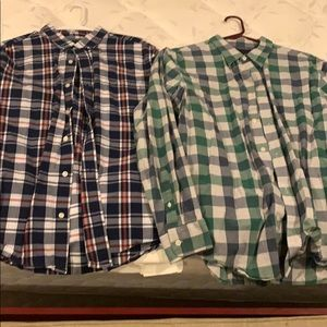 Set of 2 men's large long sleeve button downs